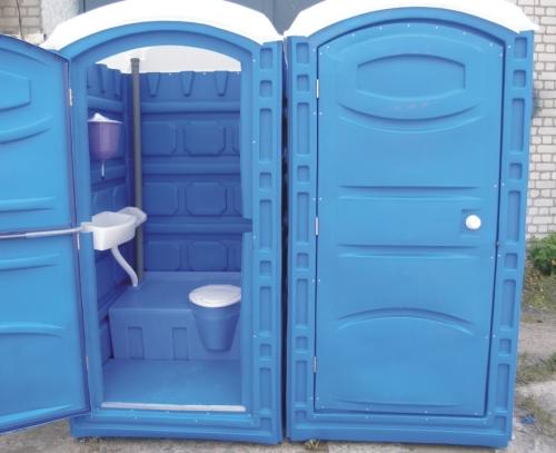 Пластиковый туалет на даче