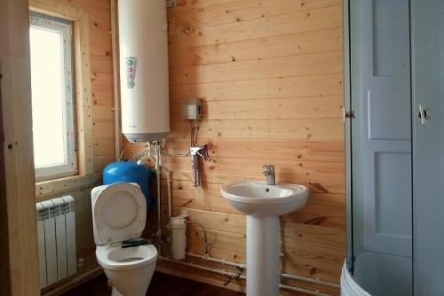 Как сделать благоустроенный туалет в частном доме своими руками фото