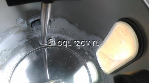 Пластик внутри чайника из нержавеющей стали