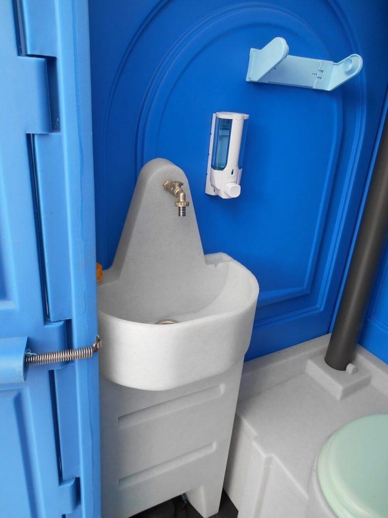 Комплектация пластикового туалета
